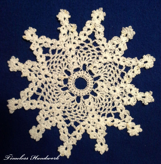 21TH Pineapple Snowflake by Timeless Handwork